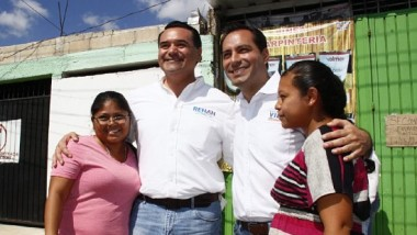 Renán Barrera y Mauricio Vila refrendan compromisos en el Sur de Mérida