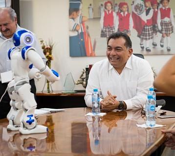 Capacitarán a más mujeres sobre robótica