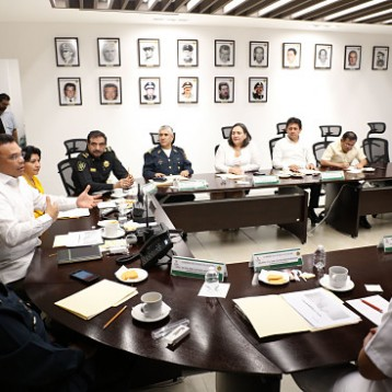 Llama Gobernador a mantener las condiciones de paz en Yucatán