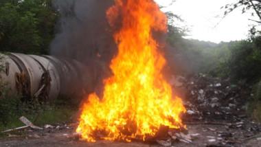 PGR incinera drogas y destruye piratería