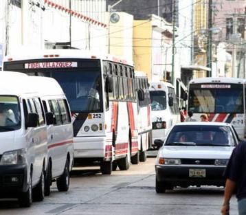 Reubicarán paraderos de autobuses por desfile