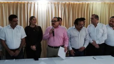 Priistas cierran filas para defender las finanzas de Rolando Zapata