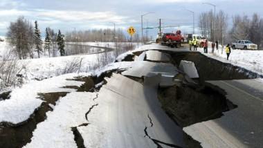 Terremoto de 7.0 de magnitud se registra en Alaska y emiten alerta de tsunami