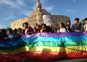 Amparan a pareja gay para registrar a su hijo en Yucatán
