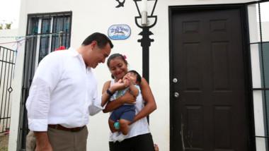 Renán cumple promesa de campaña, meridanos que paguen su predial protegerán su casa