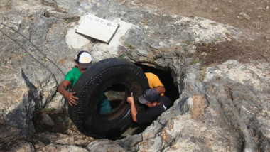 "Extraen media tonelada de basura del Cenote ""Ek bis"""