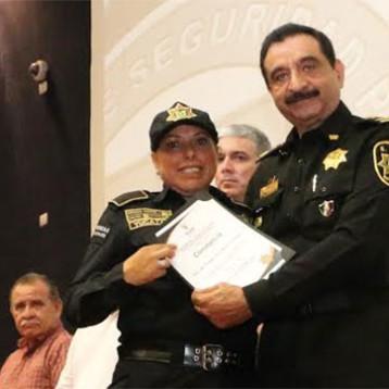 AMLO halaga trabajo de Saidén, mientras el narco se instala en Yucatán