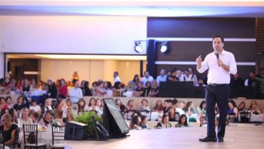 Vila rinde un segundo preinforme ante más de mil mujeres