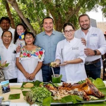 Puebla rinde homenaje a comida yucateca