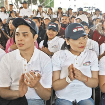 AMLO anuncia aumento de un salario mínimo a beca Jóvenes Construyendo el Futuro