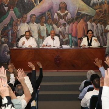 Rector de la UADY rinde informe ante el Consejo Universitario