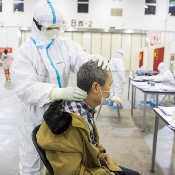 Van mil 886 muertos por coronavirus en China