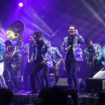 La Trakalosa de Monterrey en la Coronación de los Reyes del Carnaval