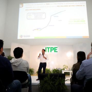 Vila comparte a estudiantes del ITPE, la vocación en materia energética del estado