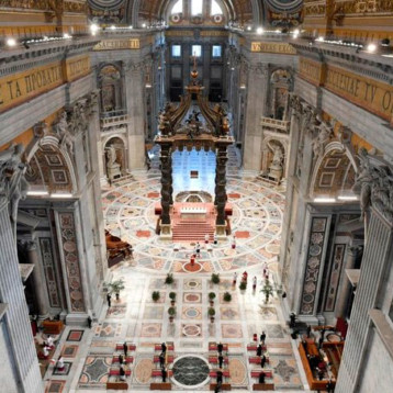 En Domingo de Ramos vacío, el Papa pide valentía ante pandemia