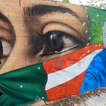 Trabajadores de la salud tienen un mural en su honor