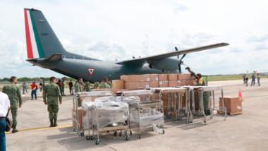 Llegan a Mérida 6.6 toneladas de insumos médicos, mobiliario y equipo de protección personal