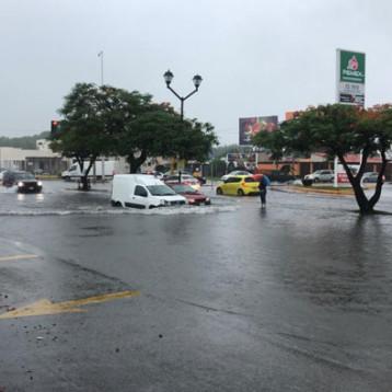 Por lluvias, reubican a familias del sur de Mérida