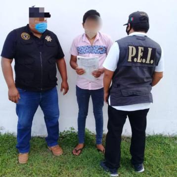 Detienen a presunto homicida, se escondía en una comisaría de Mérida
