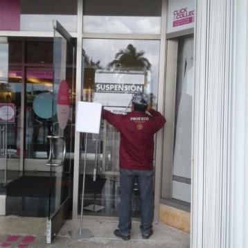 Profeco suspende tienda departamental por negarle entrada a un adulto mayor