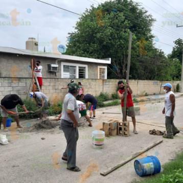 Vecinos construyen tope y colocan señal de alto en calle donde murió repartidor