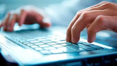Crean fondo para apoyar a estudiantes de la UADY con computadoras e internet