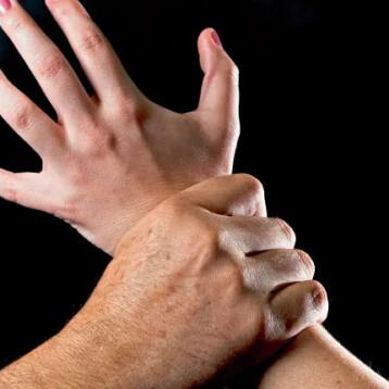 Hombre abusa sexualmente de una menor en tienda de Villas Oriente