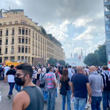 Protestas contra el gobierno tras explosión en Beirut