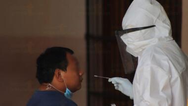 Más de 900 trabajadores del sector salud se han contagiado de covid