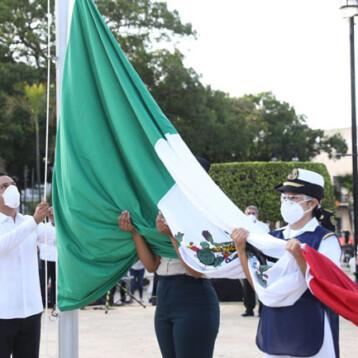Con homenaje a las víctimas del Coronavirus realizan ceremonia cívica por el 210 aniversario del inicio de la Independencia de México