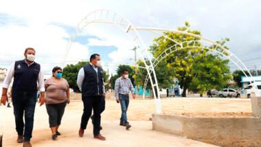 Supervisan la remodelación del parque de la colonia Miraflores