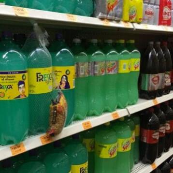 Mexicanos en promedio tomaron casi 2 litros de refresco semanales: Euromonitor