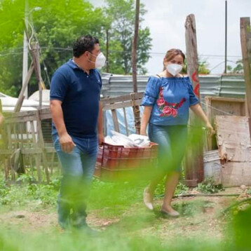 En tiempos difíciles, familias de Kanasín reciben apoyos