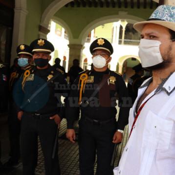 Morenistas 'abanican' protesta contra autoridades