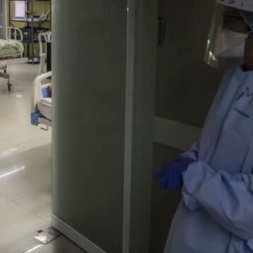 Muere paciente que se reinfectó de COVID-19