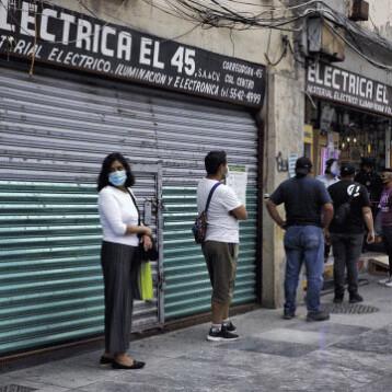 Gobierno de CDMX analiza volver a cierres y recortes de horarios por alza de hospitalización