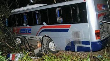 Mueren seis personas en accidente carretero