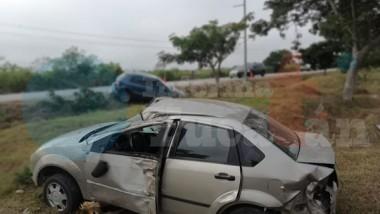 Destroza un auto Fiesta y manda al conductor al hospital