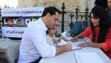 Alcalde de Mérida firma iniciativa contra la Corrupción