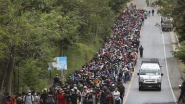 Gobierno de México pide a Honduras y Guatemala frenar caravana migrante