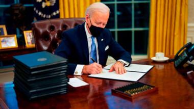 COVID-19: Joe Biden anuncia que EU exigirá cuarentena a viajeros extranjeros