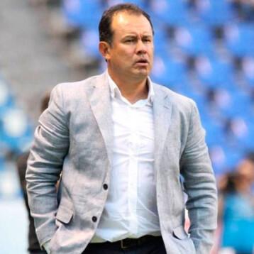 Cruz Azul presentó a Juan Reynoso como nuevo director técnico