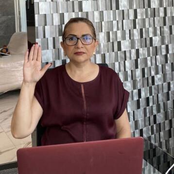 Se va Alejandrina León del PRI, busca hueso en Morena
