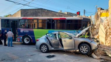 Varios lesionados en choque entre camión de la ruta Ibérica y un compacto