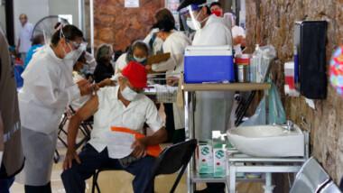 Alta demanda de vacunas anticovid en Umán