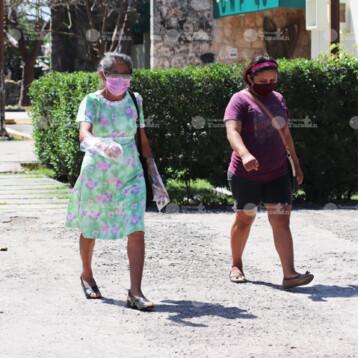 En abril concluiría vacunación a los adultos mayores de Yucatán