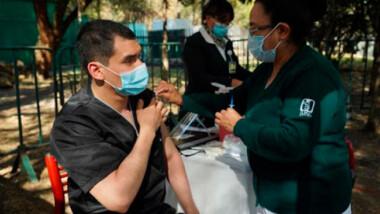 En mayo inicia la vacunación contra el COVID-19 en personas de 50 a 59 años