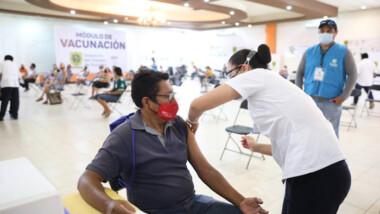 Este martes inicia la vacunación anticovid para personas de 50 a 59 años en 13 municipios yucatecos