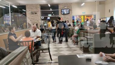 """Restauranteros ya no tendrán que servir cenas """"a la carrera"""""""