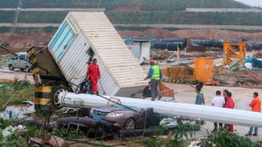 Tornado azota Wuhan y deja al menos 8 muertos